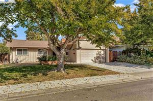 Photo of 1320 Kathy Ct, LIVERMORE, CA 94550 (MLS # 40886117)