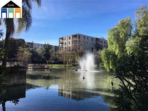 Photo of 460 N Civic Dr #306, WALNUT CREEK, CA 94596 (MLS # 40910117)