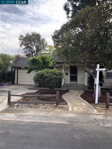 Photo of 2980 Pacific St, CONCORD, CA 94518 (MLS # 40888118)