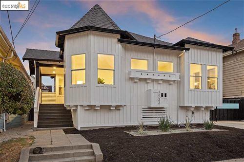 Photo of 1932 Linden St, OAKLAND, CA 94607 (MLS # 40917118)