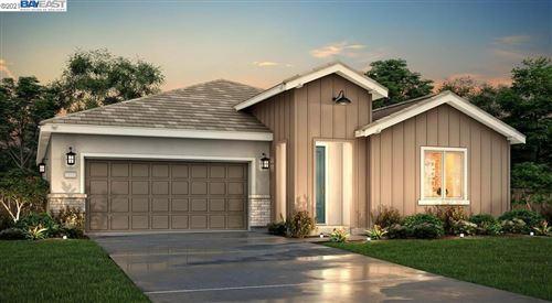 Photo of 5310 Potter Valley Lane, ANTIOCH, CA 94531 (MLS # 40960119)
