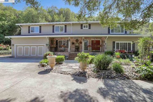Photo of 8055 Norris Canyon Rd, CASTRO VALLEY, CA 94552 (MLS # 40922120)