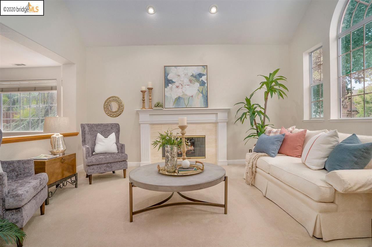 Photo of 605 Rutherford Cir, BRENTWOOD, CA 94513 (MLS # 40912122)