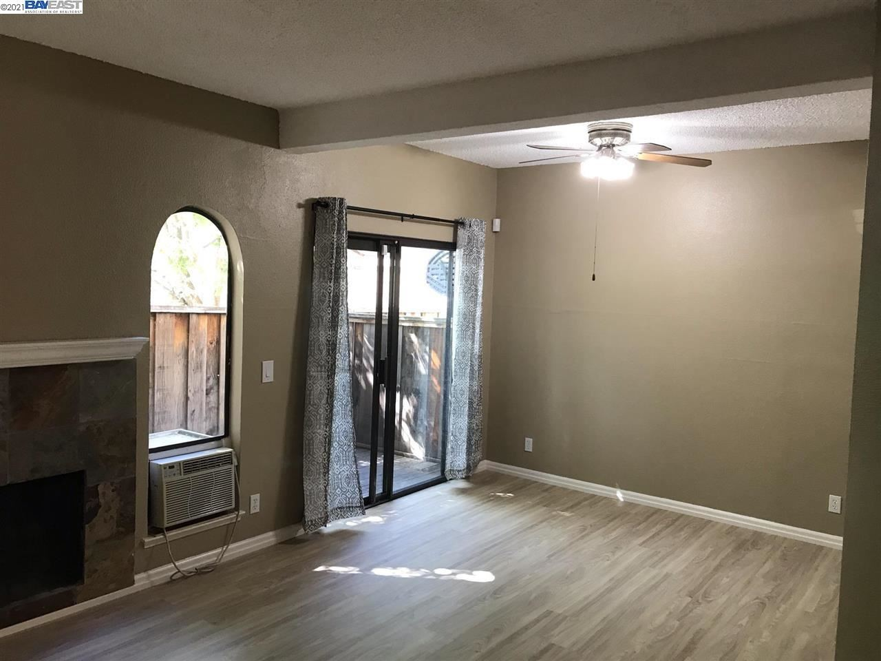 Photo of 1255 Detroit Ave #2, CONCORD, CA 94520 (MLS # 40949122)
