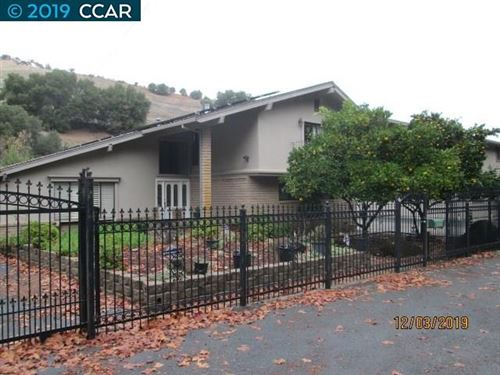 Photo of 1450 Franklin Canyon Rd, MARTINEZ, CA 94553 (MLS # 40891123)