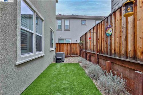 Tiny photo for 2082 Rovello Loop, LIVERMORE, CA 94550-2548 (MLS # 40938127)
