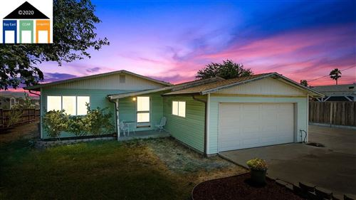 Photo of 231 Driftwood Dr, BAY POINT, CA 94565 (MLS # 40916128)