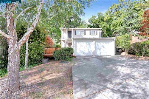 Photo of 2109 Oakvale Rd, WALNUT CREEK, CA 94597 (MLS # 40948128)