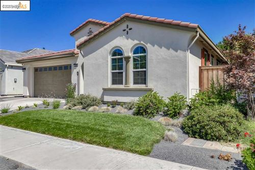 Photo of 529 S Thrasher Ln, TRACY, CA 95376 (MLS # 40912129)