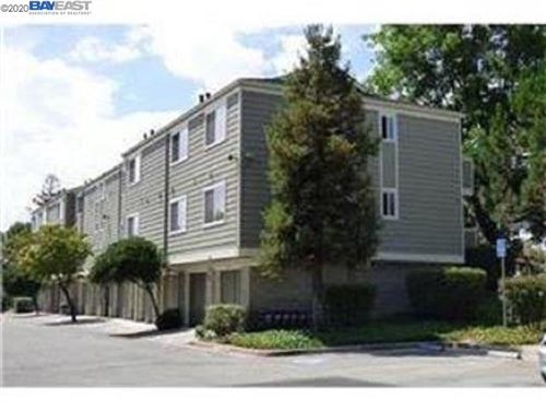 Photo of 28 Castlecrest Dr, SAN JOSE, CA 95116 (MLS # 40918130)