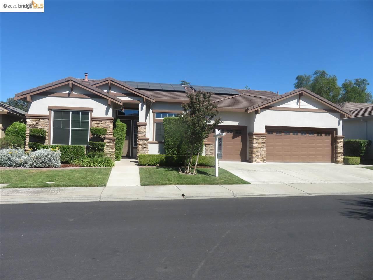Photo of 776 CENTENNIAL PL, BRENTWOOD, CA 94513 (MLS # 40961130)