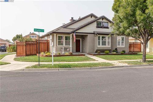 Photo of 1772 Altamar Way, LIVERMORE, CA 94551 (MLS # 40921131)