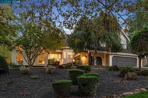 Photo of 53 Wild Oak Pl, DANVILLE, CA 94506 (MLS # 40926131)