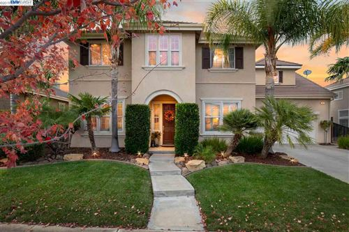 Photo of 542 Lakeview Dr, BRENTWOOD, CA 94513 (MLS # 40889134)