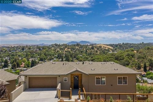 Photo of 120 W Park St, MARTINEZ, CA 94553-9788 (MLS # 40912134)