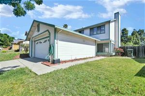 Photo of 809 Azores Cir, BAY POINT, CA 94565 (MLS # 40867135)