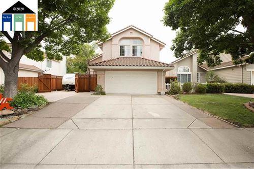Photo of 988 Loyola Way, LIVERMORE, CA 94550 (MLS # 40930135)