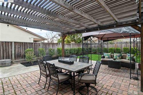 Tiny photo for 819 Geraldine St, LIVERMORE, CA 94550 (MLS # 40934135)