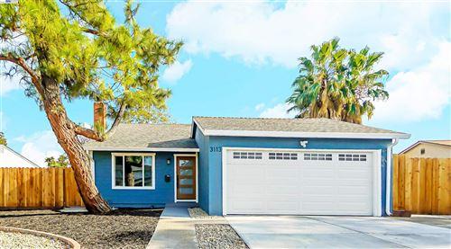 Photo of 3113 Kittery Ave, SAN RAMON, CA 94583 (MLS # 40968135)