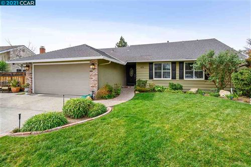 Photo of 425 Gregg Pl, SAN RAMON, CA 94583 (MLS # 40940137)