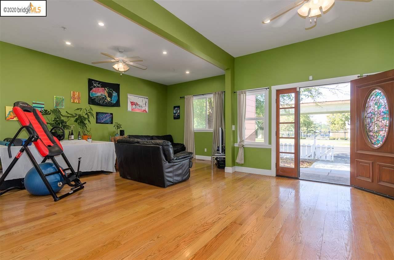 Photo of 1230 Mesa Street, CONCORD, CA 94518 (MLS # 40927137)