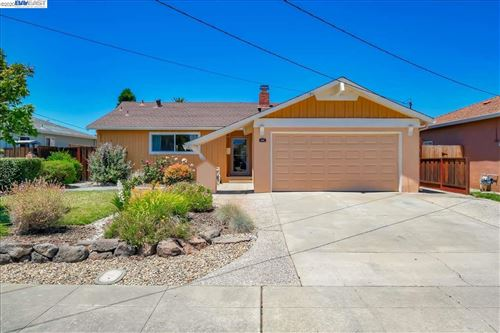Photo of 975 Via Bregani, SAN LORENZO, CA 94580 (MLS # 40912138)