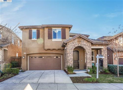 Photo of 2316 W Cantara Dr, DUBLIN, CA 94568 (MLS # 40934138)