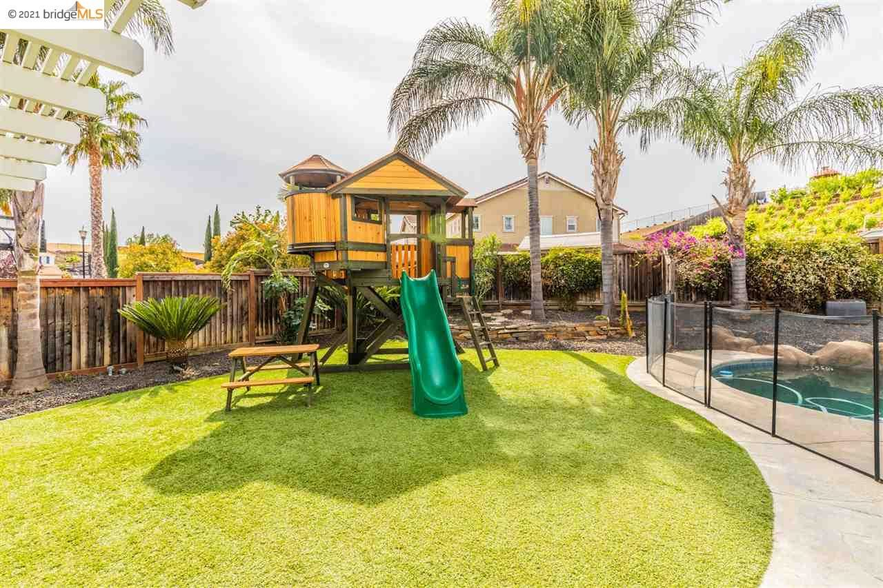 Photo of 725 Copperfield Court, BRENTWOOD, CA 94513-7020 (MLS # 40948139)