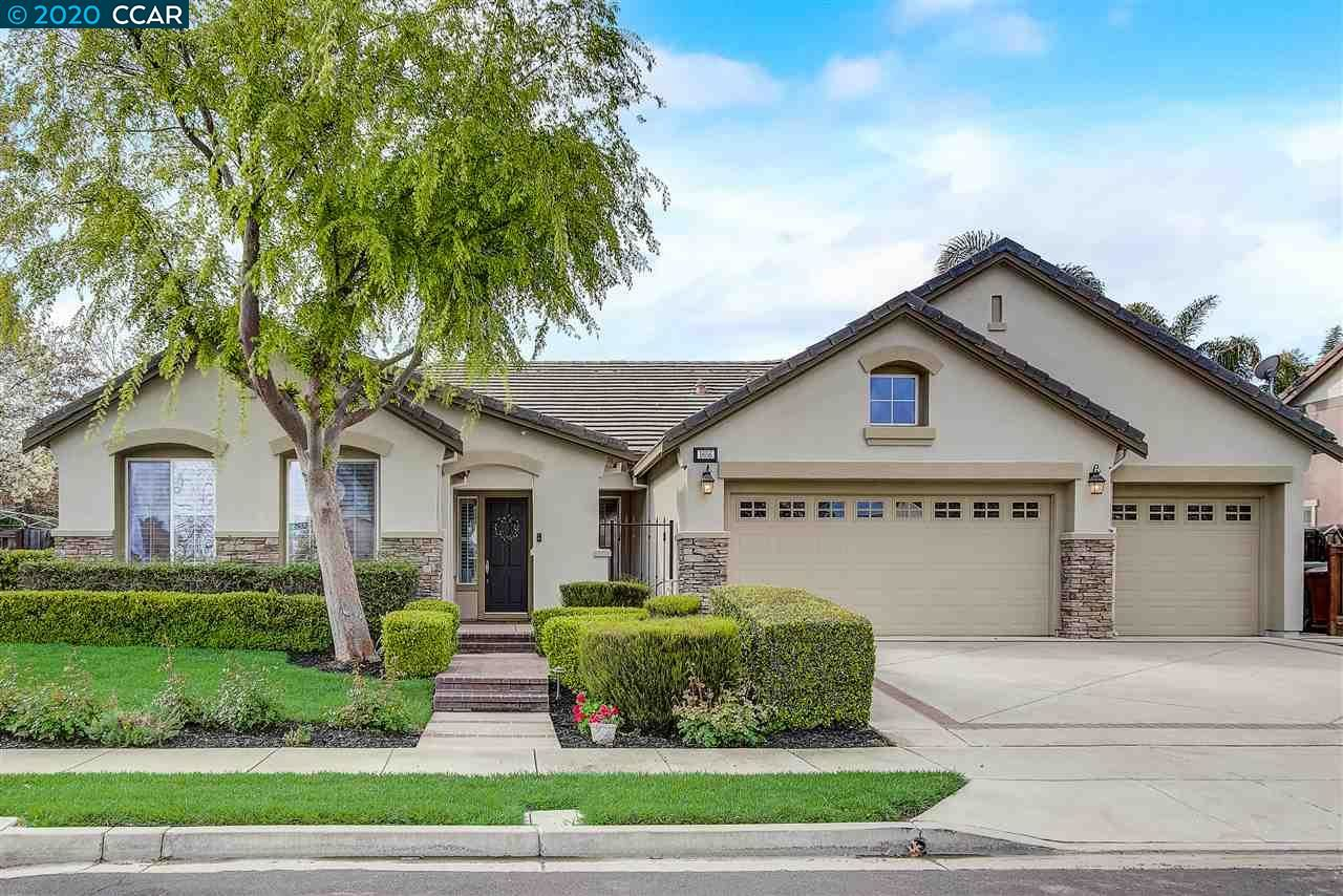 Photo of 1656 Albani Pl, BRENTWOOD, CA 94513 (MLS # 40900141)