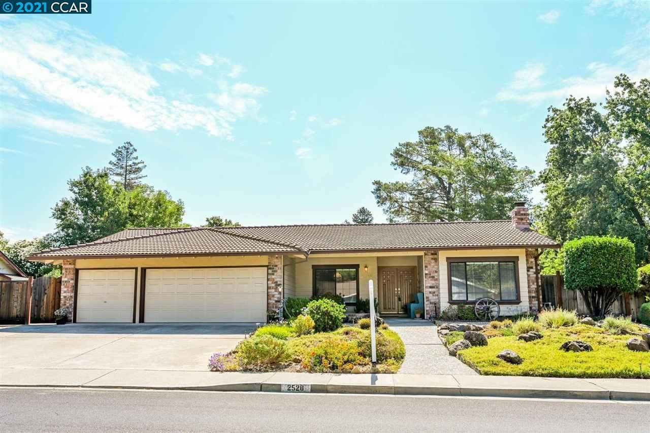 Photo of 2528 Dapplegray Ln, WALNUT CREEK, CA 94596 (MLS # 40961144)