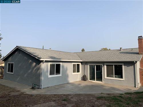 Tiny photo for 3225 Dimaggio Way, ANTIOCH, CA 94509 (MLS # 40921145)