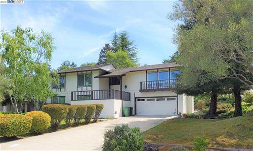 Photo of 27892 Pebble ct, HAYWARD, CA 94542 (MLS # 40948149)