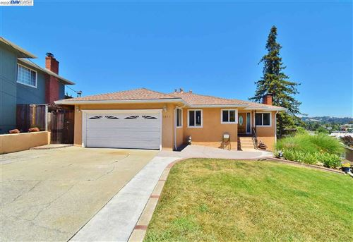 Photo of 2410 San Carlos Ave, CASTRO VALLEY, CA 94546 (MLS # 40907150)