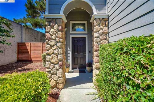 Photo of 5675 Snowflake Cmn, FREMONT, CA 94538 (MLS # 40915151)