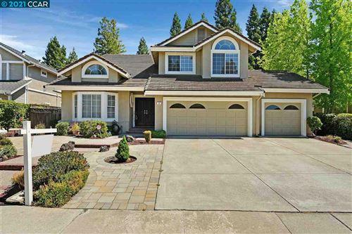 Photo of 30 Devonshire Ct, DANVILLE, CA 94506 (MLS # 40953152)