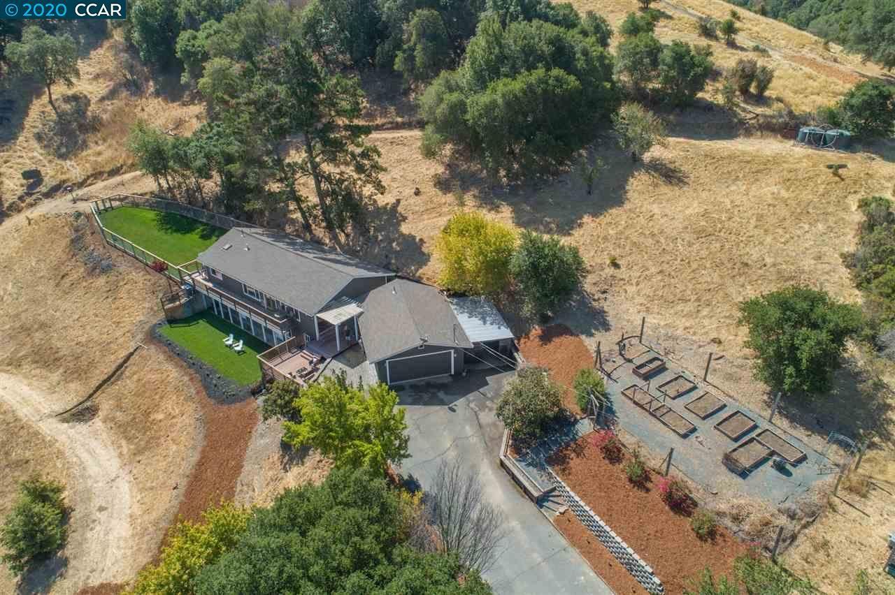Photo of 2781 Franklin Canyon Road, MARTINEZ, CA 94553-9617 (MLS # 40916152)