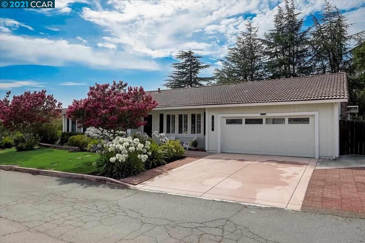 Photo of 1833 Leo Lane, CONCORD, CA 94521 (MLS # 40961152)
