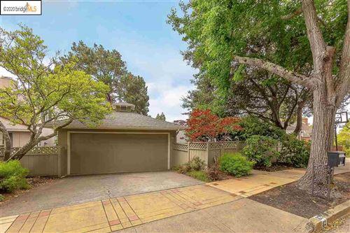 Photo of 82 Inverleith Terrace, PIEDMONT, CA 94611 (MLS # 40912153)