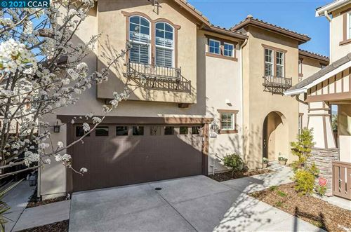 Photo of 330 Elworthy Ranch Cir, DANVILLE, CA 94526 (MLS # 40940153)