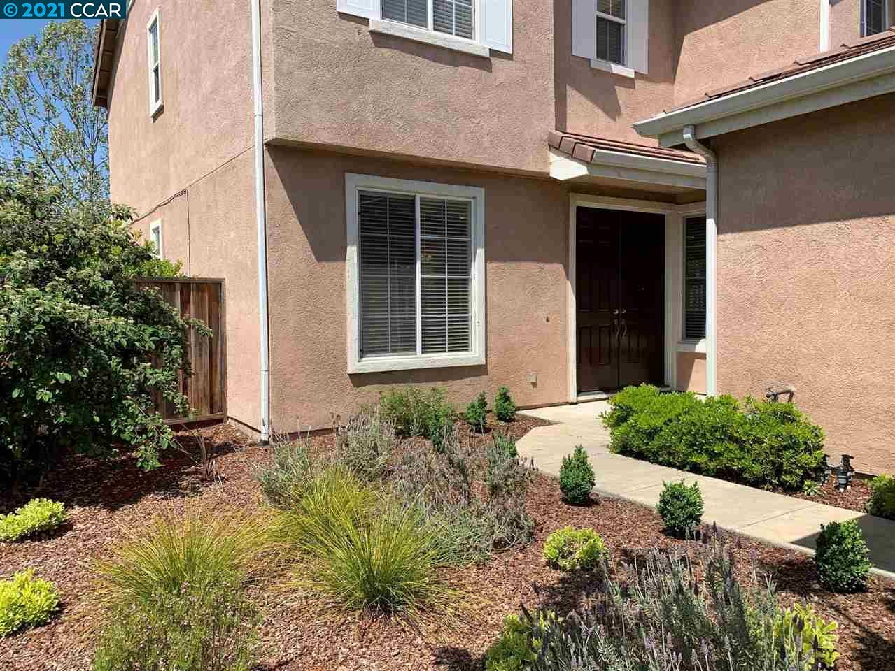 Photo of 110 Gerbera St, DANVILLE, CA 94506 (MLS # 40949153)