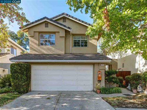 Photo of 1013 Lakeridge Pl, SAN RAMON, CA 94582 (MLS # 40927154)