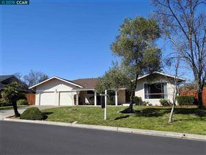 Photo of 348 Barrett Circle, DANVILLE, CA 94526 (MLS # 40853155)