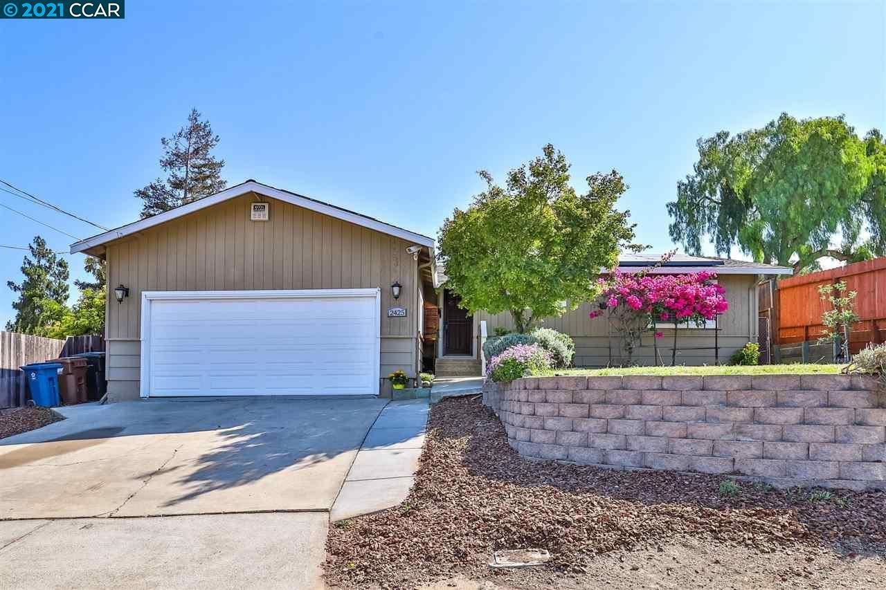 Photo of 2425 Olive Street, MARTINEZ, CA 94553 (MLS # 40961156)