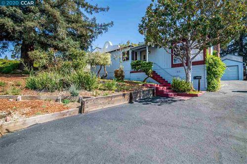 Photo of 18308 Pepper St, CASTRO VALLEY, CA 94546 (MLS # 40921157)