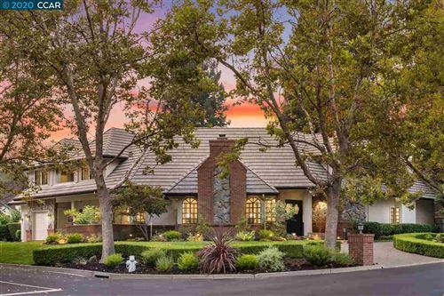 Photo of 6 Red Birch Ct, DANVILLE, CA 94506-4549 (MLS # 40923157)