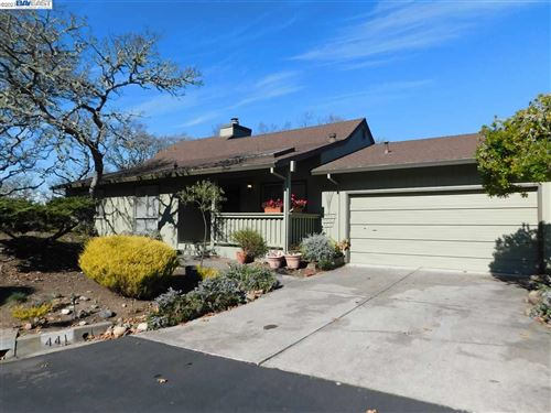 Photo of 441 Oak Mesa Pl, SANTA ROSA, CA 95409 (MLS # 40940158)