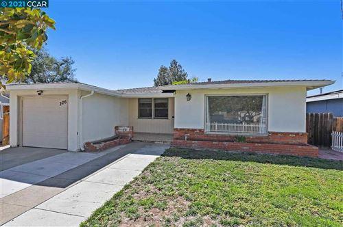 Photo of 226 Dimaggio Ave, PITTSBURG, CA 94565 (MLS # 40962159)