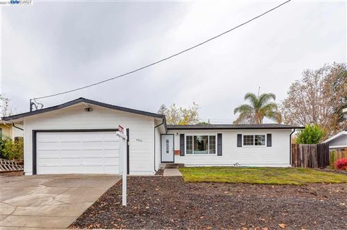 Photo of 4322 Grammercy Ln, CONCORD, CA 94521 (MLS # 40890160)