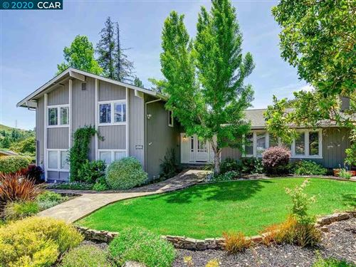 Photo of 411 Kingsford Dr, MORAGA, CA 94556 (MLS # 40906160)