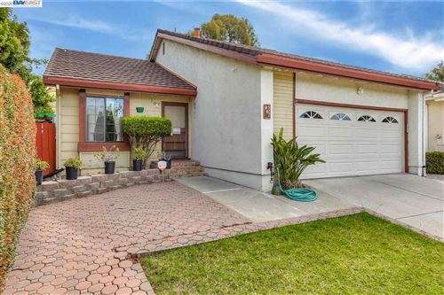 Photo of 522 Bayview Park Drive, MILPITAS, CA 95035 (MLS # 40907161)
